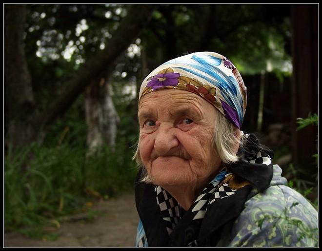 фото старая баба