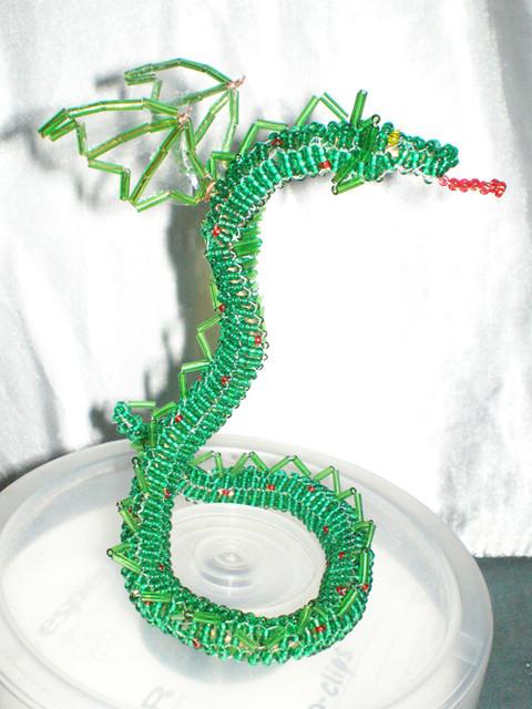 Подробное плетение из бисера драконов для новичков Вещи из бисера.